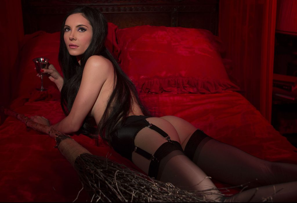 """""""Love Witch"""""""